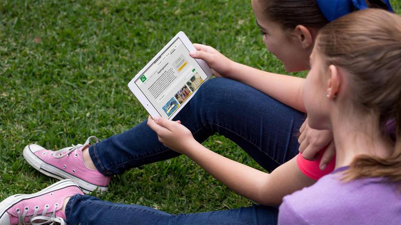 To jenter bruker Oppdragsbanken til 4H