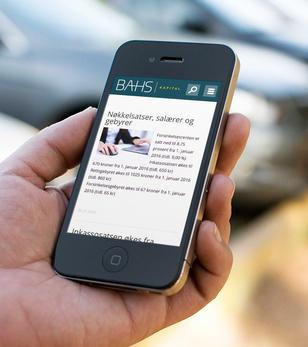 mobil med skjermbilde fra bahs.no